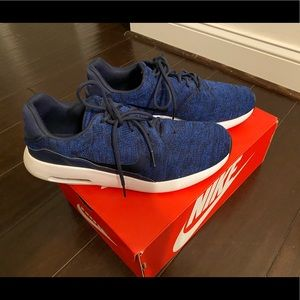 Men's Nike Air Max Flyknit size 11